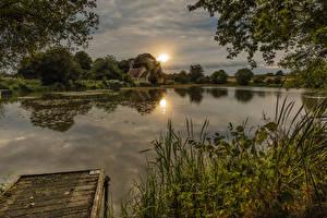 Фото Англия Рассветы и закаты Реки Пирсы Трава Hartley Mauditt Природа