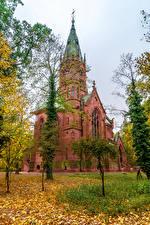 Картинки Германия Осенние Храмы Церковь Листья Karlsruhe Города