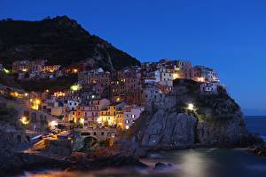 Обои Италия Побережье Вечер Скала Cinque Terre Города картинки
