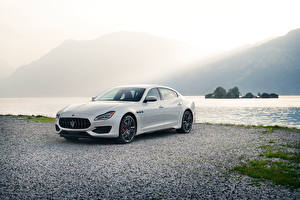 Фотографии Maserati Белый Металлик 2019 Quattroporte GTS GranSport Машины