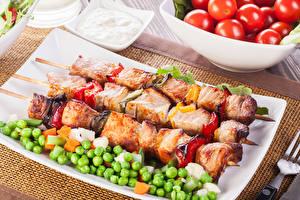 Картинки Мясные продукты Шашлык Зеленый горошек