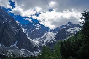 Картинки Горы Словакия Пейзаж Скалы Снеге Облака Tatra mountains Природа