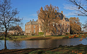 Фотографии Голландия Замок Речка Осенние Дерева Rechteren Castle город