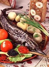 Картинка Морепродукты Рыба Икра Картофель Продукты питания