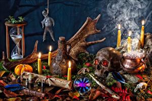 Картинки Натюрморт Хеллоуин Свечи Тыква Черепа Дым