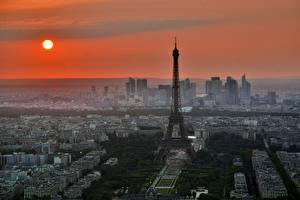 Обои Рассветы и закаты Франция Париж Башня Эйфелева башня Солнце Города