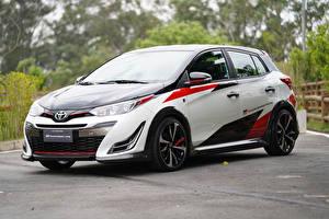Обои Toyota Стайлинг Белый Металлик 2018 Yaris GR Concept Машины