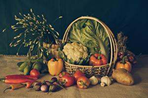 Фотографии Овощи Помидоры Перец Картофель Чеснок Баклажан Корзина