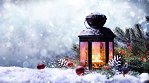 Фото Зима Новый год Снег Фонарь Ветвь Шишки Шар Природа