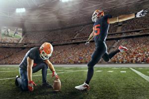 Фото Американский футбол Двое Униформа Мяч