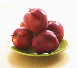 Фотографии Яблоки Вблизи Белый фон Тарелка Красный Еда