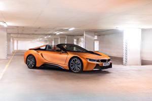Фото BMW Родстер Оранжевая 2018 i8 Roadster автомобиль