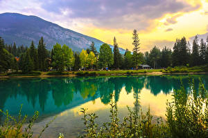 Картинка Канада Парки Озеро Горы Леса Банф Природа