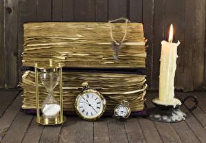 Фотография Свечи Часы Песочные часы Доски Книга Замковый ключ
