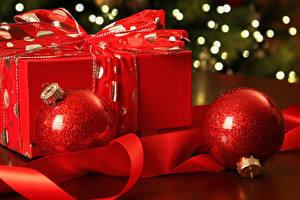 Картинки Рождество Шар Подарки Красный Ленточка