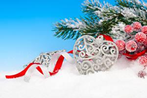 Фотография Рождество Ягоды Ветки Снег Сердца Лента