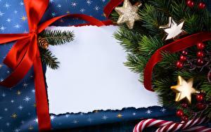 Обои Новый год Ягоды Шаблон поздравительной открытки Ветвь Бантик Снежинки