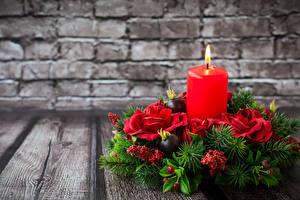 Картинка Рождество Свечи Розы Доски Стенка Ветвь Дизайн