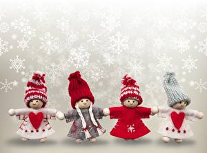 Фотографии Новый год Кукла Снежинки Сердечко Шапки