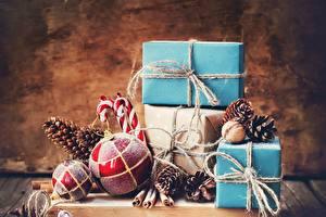 Обои Новый год Подарки Шарики