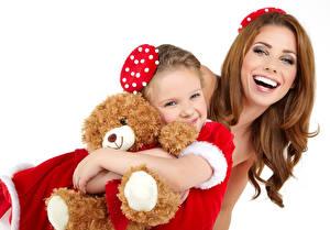 Картинки Рождество Плюшевый мишка Белым фоном Девочки Счастье Шатенки Дети Девушки