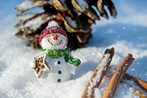 Картинки Рождество Зимние Снег Снеговики Шапки Шарф