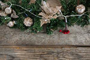 Обои Рождество Доски Ветвь Шишки Шар