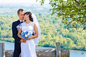 Обои Влюбленные пары Мужчины Букет Свадьбе Жениха Невеста Двое Девушки