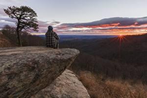 Обои Леса Рассветы и закаты Утес Сидящие Холмы