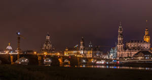 Картинка Германия Дрезден Здания Речка Мосты Ночные