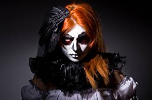 Фотография Хэллоуин Ведьма Рыжая Смотрит Косметика на лице Девушки