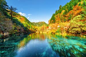 Фотографии Цзючжайгоу парк Китай Парки Осенние Горы Леса Озеро Пейзаж