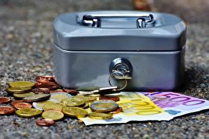 Фотографии Деньги Евро Монеты Купюры