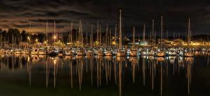 Фото Испания Реки Пирсы Парусные Яхта Ночью El Burgo город