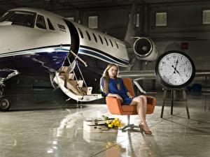 Обои Самолеты Часы Циферблат Кресло Сидящие Авиация Девушки