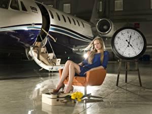 Картинка Самолеты Часы Циферблат Кресло Сидящие Девушки