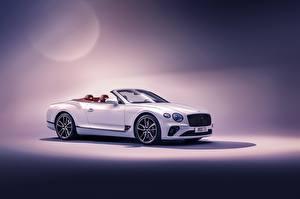 Фотография Bentley Белые Кабриолет Continental GT Convertible 2019 машины
