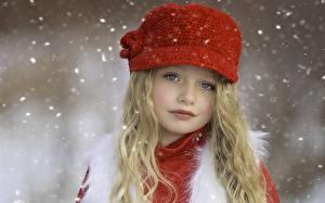 Картинка Блондинка Лицо Шапки Девочка Дети