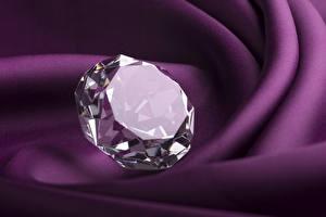 Обои Алмаз обработанный Вблизи