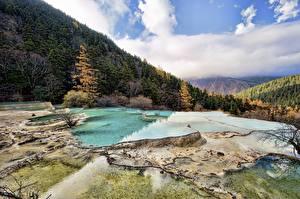 Фото Китай Горы Осень Леса Пейзаж Huanglong, Sichuan Природа