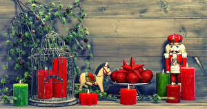 Картинка Рождество Свечи Лошади Ветки Шарики