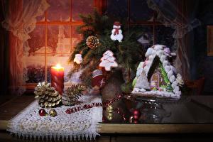 Обои Новый год Свечи Выпечка Дома Печенье Натюрморт Окна Шишки Шар Дизайн Рукавицы Снеговик Пища