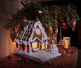 Картинки Рождество Выпечка Здания Свечи Натюрморт Ветки Шарики Дизайн Пища