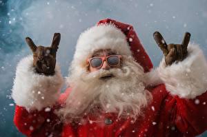 Картинка Новый год Санта-Клаус Очках Борода Смешной