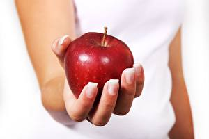 Обои Пальцы Яблоки Вблизи Руки Продукты питания