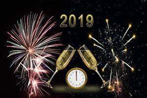 Обои Салют Новый год Шампанское Часы Бокалы 2019