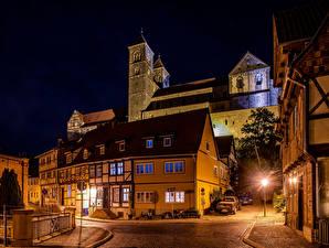 Фотографии Германия Здания Улица Ночные Уличные фонари Quedlinburg