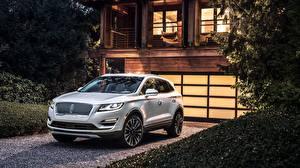 Обои Lincoln Белые CUV 2018 MKC