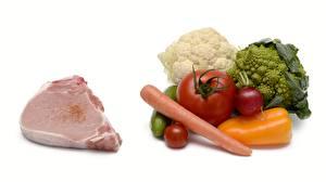 Картинка Мясные продукты Морковь Перец Томаты Капуста Огурцы Редис Белый фон Пища