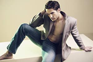 Картинки Мужчины Модель Джинсы